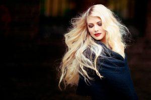 Здравен блог - коса, боядисана, опасност